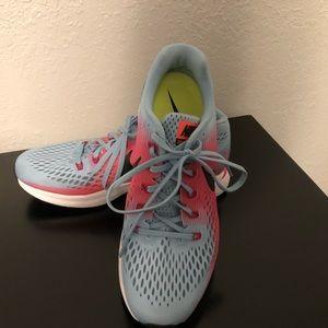 Women's Nike zoom size 9.5